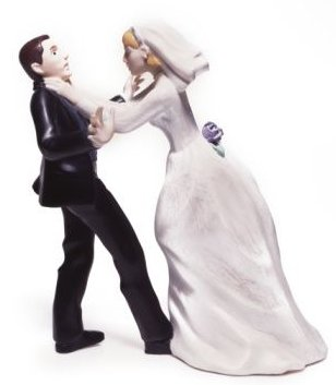 bride-and-groom-fighting